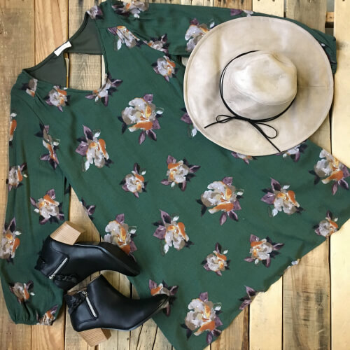 floppy hat with green dress